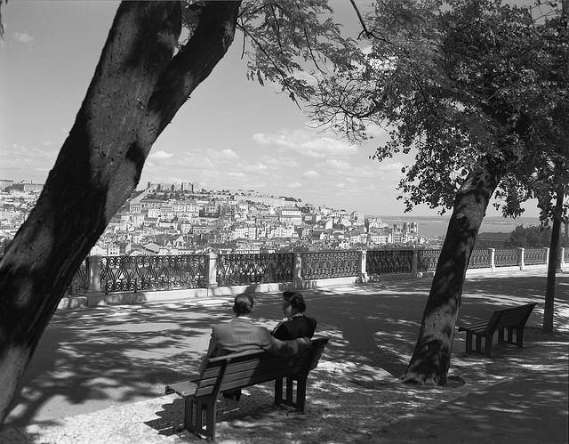 Jardim de São Pedro de Alcântara, Lisboa, Portugal [Foto di Biblioteca de Arte / Art Library Fundação Calouste Gulbenkian]
