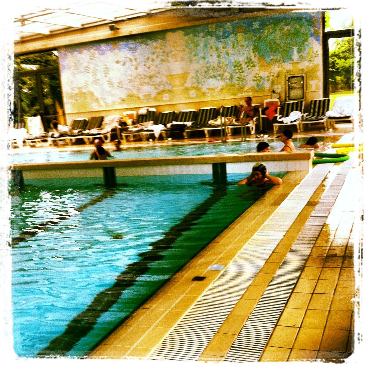 La piscina e l'idromassaggio delle Terme della Versilia