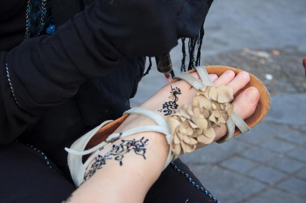 Dettaglio del tatuaggio all'henné