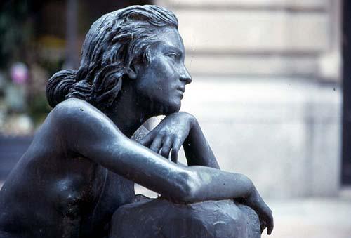 La Nostalgia - statua a Salsomaggiore Terme (PR)