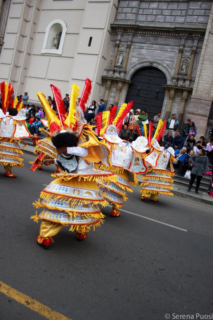 Parata in costume a Lima