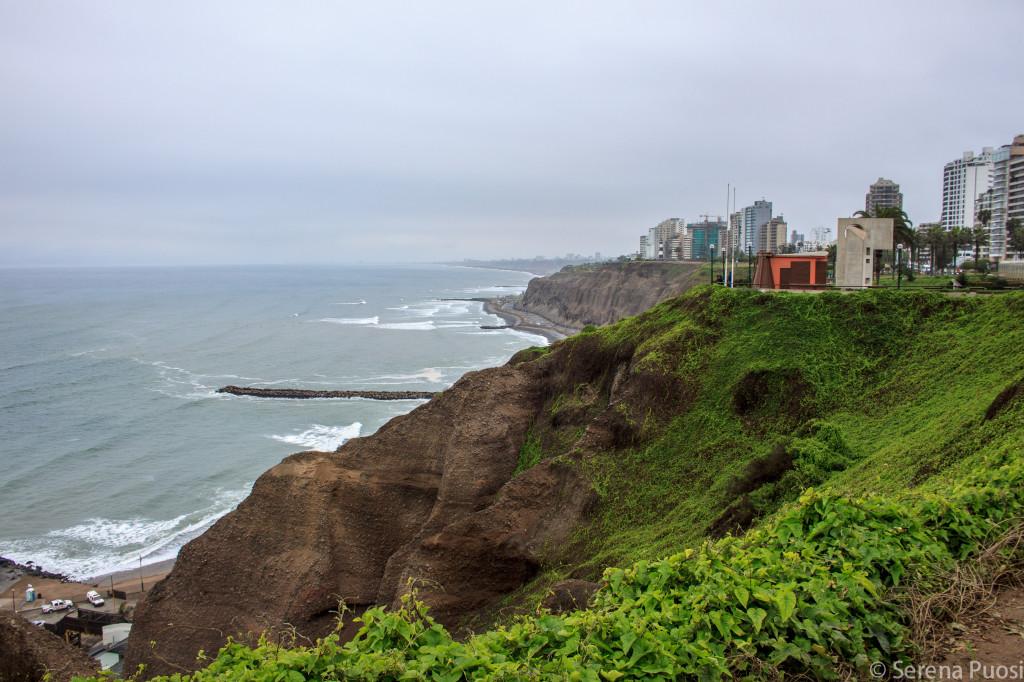 Scogliere a picco a Miraflores - Lima