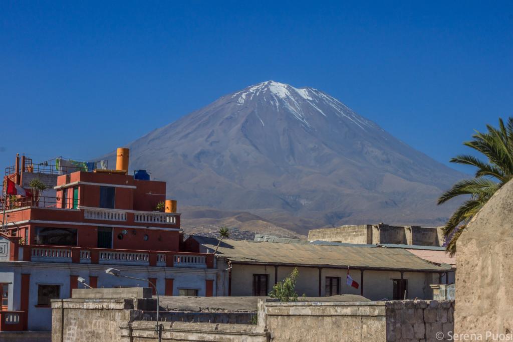 Il vulcano El Misti visto dal Monasterio de Santa Catalina
