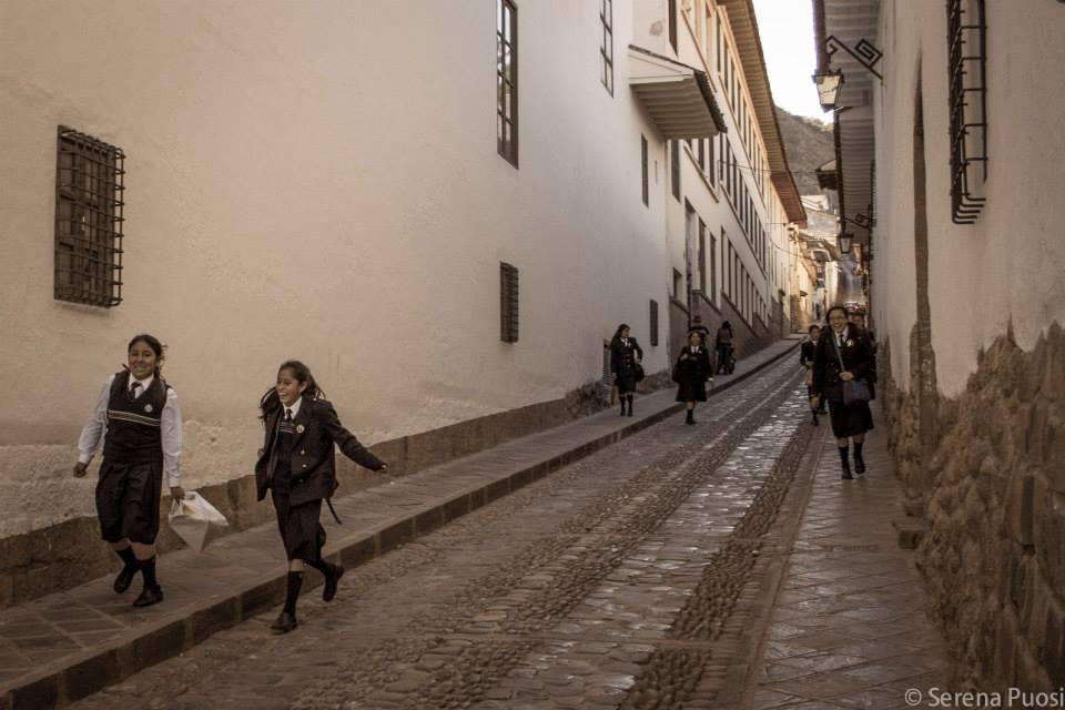 All'uscita da scuola a Cusco