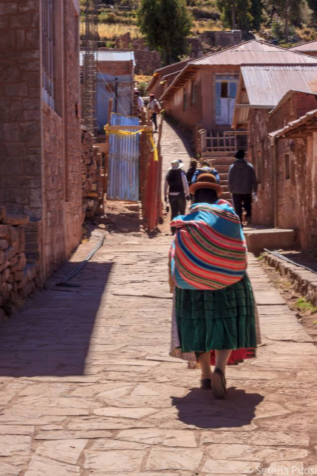 donna_peruviana_taquile