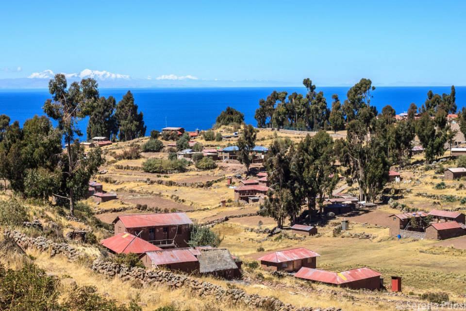 Le coste della Bolivia viste dalla Isla de Taquile