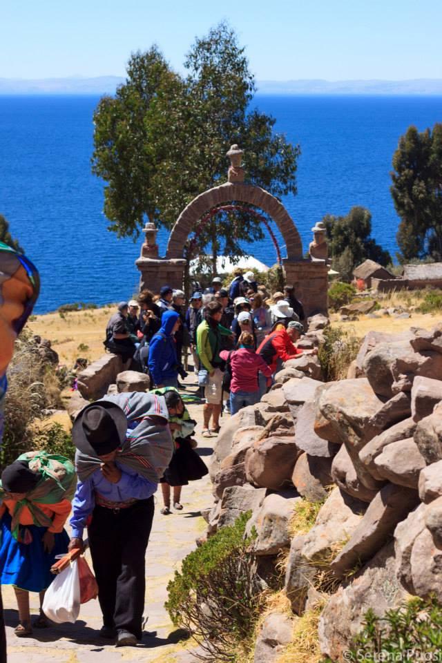 Salita alla isla de Taquile
