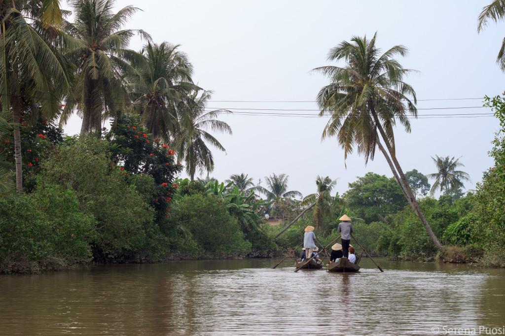 Giro in barca a remi sul Delta del Mekong