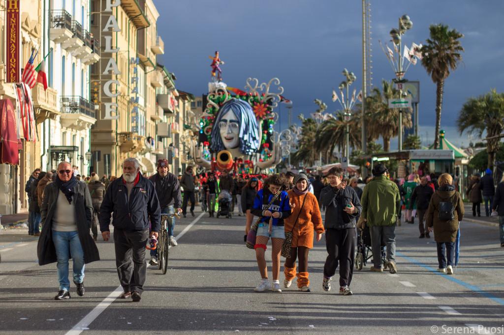La passeggiata di Viareggio durante il carnevale
