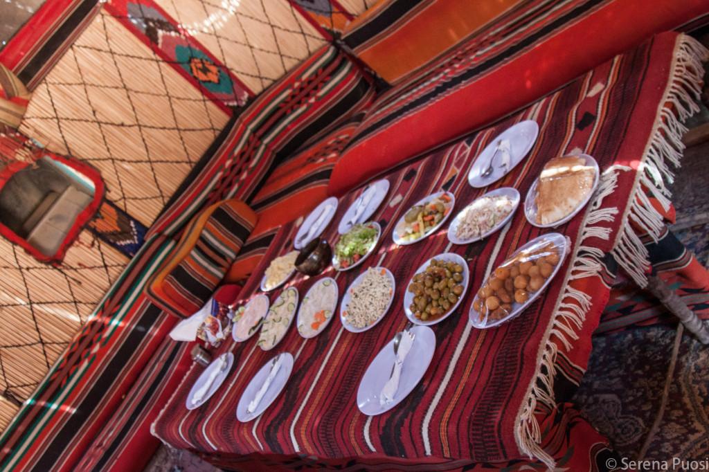 Una tavola imbandita in Giordania