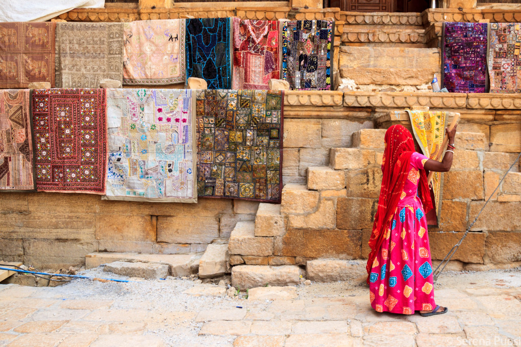Donna a Jaisalmer