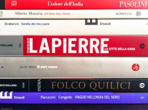 La pila di libri sull'India