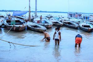 Sulle sponde del fiume Gange