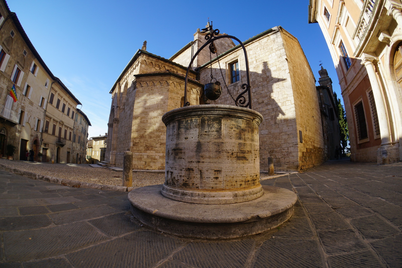 Chiesa san quirico d orcia toscana mercoled tutta la - Malta a novembre bagno ...