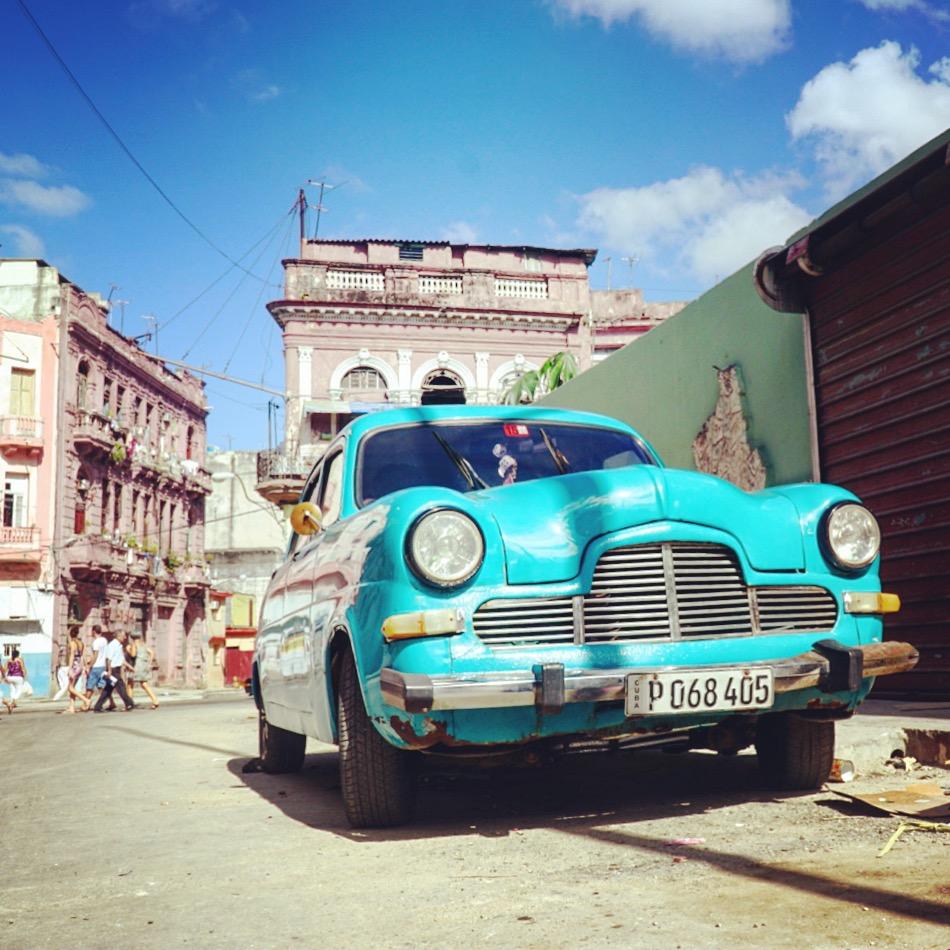 12-foto-di-Cuba-per-12-giorni-di-viaggio-la-habana-macchina