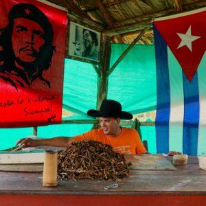 12-foto-di-Cuba-per-12-giorni-di-viaggio-vinales-sigari