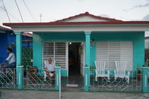 casa-particular-cuba-vinales-pedrito-y-esperanza-patio