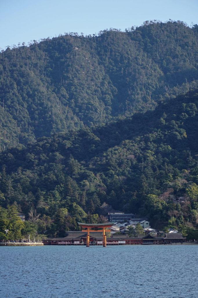 Isola-di-Miyajima-dal-traghetto