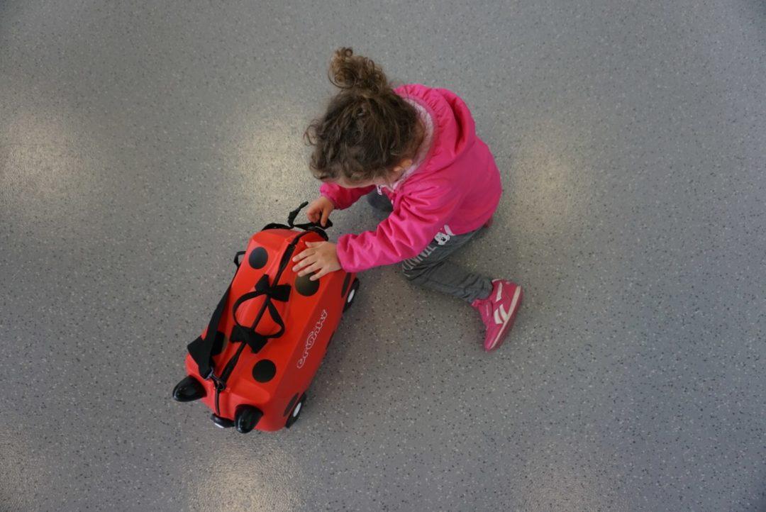neonati in aeroporto