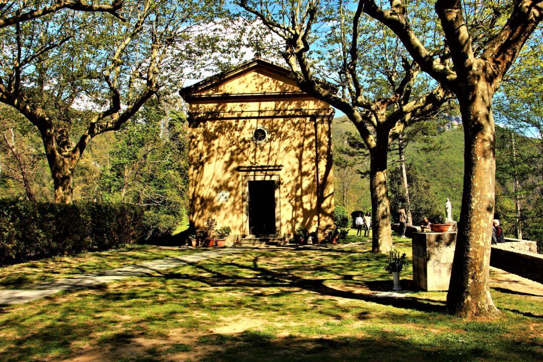 La chiesa di Sant'Anna di Stazzema